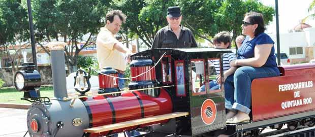 Cozumel: tourist train