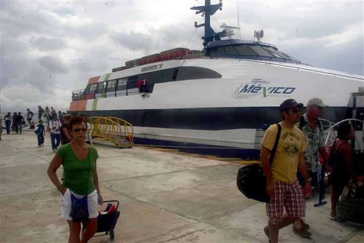 Ferry boat in Playa del Carmen