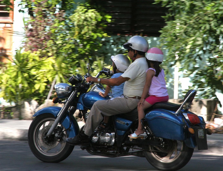 Cozumel moto family