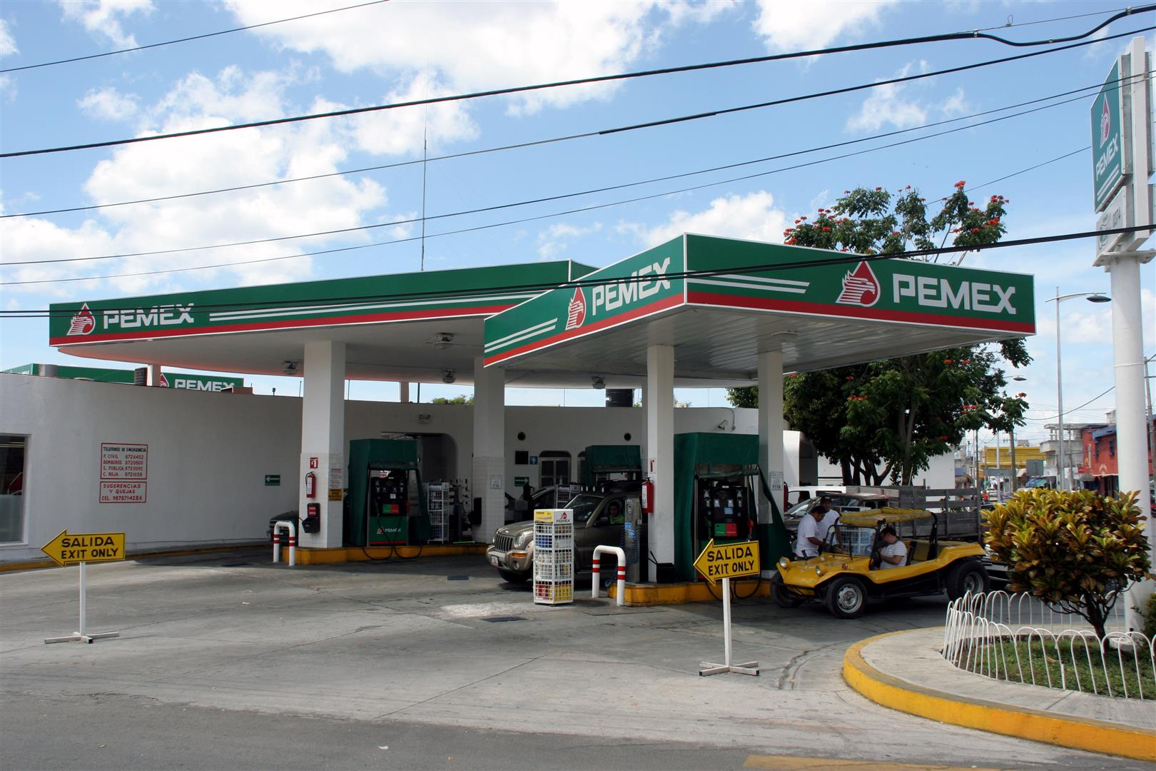 Cozumel PEMEX on 30th